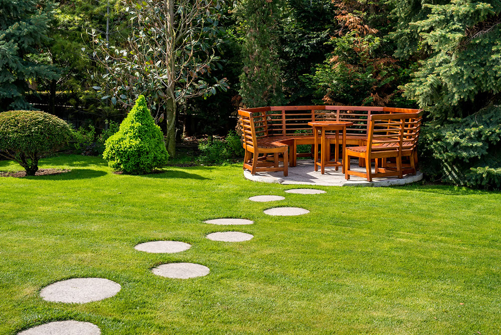 Stepping stones to patio