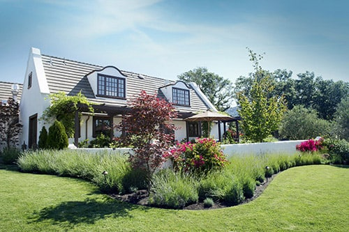 <p>Curb Appeal Landscaping Ideas for your Home</p>